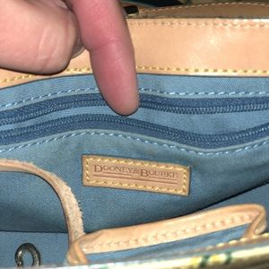 Dooney & Bourke Bags - Small Dooney & Bourke purse